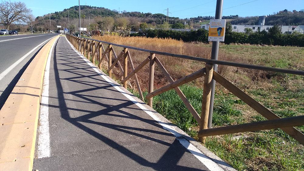 Staccionata per piste ciclabili