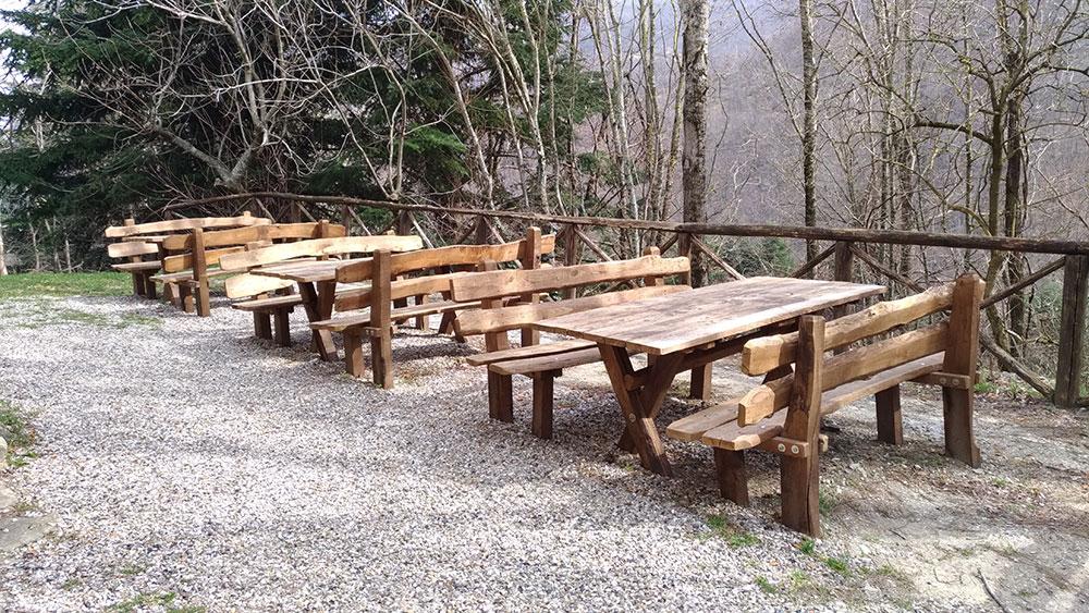 Tavoli e panche per parchi naturali
